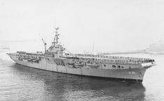 Hr. Ms. Karel Doorman met complete Bemanning 1957