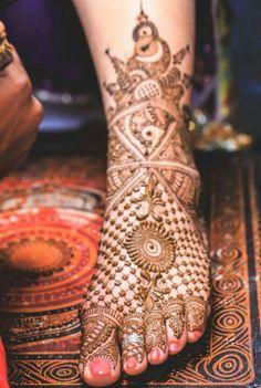 Mehendi Designs - WedMeGood #bridalmehendi #legmehendi #footmehendi #mehendi #mehendidesigns #wedmegood