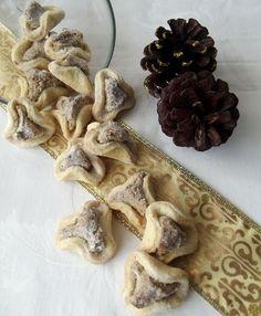 Fursecuri cu nuca Stuffed Mushrooms, Sweets, Vegetables, Christmas, Rome, Stuff Mushrooms, Xmas, Gummi Candy, Candy
