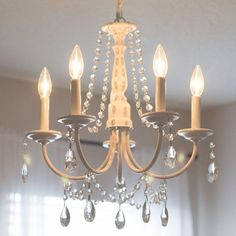 Crystal Chandelier (easy tutorial) You can make your own DIY crystal chandelier. This site shows you how! MoreYou can make your own DIY crystal chandelier. This site shows you how! Shabby Chic Bedrooms On A Budget, Shabby Chic Homes, Shabby Chic Furniture, Shabby Chic Decor, Vintage Home Decor, Diy Home Decor, Bedroom Furniture, French Furniture, Diy Bedroom