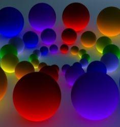 Krásné osvícené kuličky, v jednoduchosti je krása