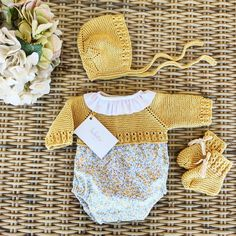 Bebe Baby, Baby Love, Hand Knitting, Floral, Knit Crochet, Girl Outfits, Rompers, Babies, Children