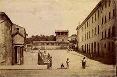Foto storiche di Roma - Basilica di San Clemente, ancora non è presente l'odierna via Labicana Anno: 1865
