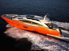 Yacht Numarine 78 HT. Fast and Luxurious. Ugly color, but nice yatch!