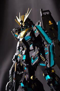 Gundam Unicorn 02 banshee