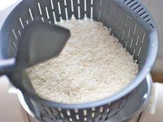Cómo cocer arroz en el vaso del Thermomix, método rápido, receta paso a paso « Trucos de cocina Thermomix Healthy Eating Tips, Healthy Nutrition, Healthy Recipes, Vegetable Drinks, Rice Dishes, Sin Gluten, Flan, Food Styling, Food To Make