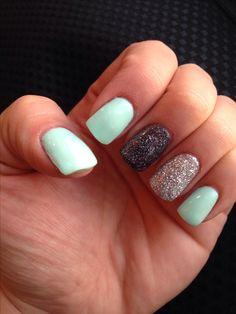 Mint gel nails