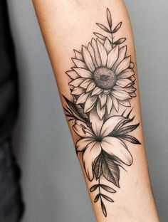 Spoiler Alert] In this post you will find 25 artists from 15 different cities throughout Brazil and 75 pictures of tattoos that are as beautiful as flowers . ❤ The floral tattoos are as successful: in . Hand Tattoos, Forarm Tattoos, Dog Tattoos, Body Art Tattoos, Tatoos, Inner Arm Tattoos, Pretty Tattoos, Unique Tattoos, Beautiful Tattoos