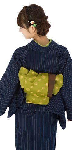 """正藍染 (しょうあいぞめ/ shou-aizomé) is a special aizomé (natural indigo dyed fabric) dyed with naturally fermented indigo solution (i.e.,without heating), known as 松阪木綿 (Matsusaka momen) invented in the early 16th century. The method has originated from Matsusaka, Mié Pref., Japan, best known for its """"Shima Momen"""", the striped cotton fabrics. ☆正藍染は熱を加えずに自然発酵させた藍液を用いて行う藍染。松阪木綿とは三重県松阪地方発祥の綿織物で、特に縞木綿 (しまもめん)が知られています。"""
