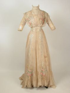 Dress Redfern Ltd National Trust Inventory Number 1365218 Category Costume Date 1901 - 1905