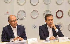 O governador de São Paulo Geraldo Alckmin se reuniu na manhã desta segunda-feira (09) com o prefeito João Doria para debaterem ações prioritárias e parcerias entre o Governo do Estado e a Prefeitura de São Paulo. O encontro aconteceu no Palácio dos Bandeirantes localizado na Avenida Morumbi, 4.500, Morumbi, São Paulo (SP).