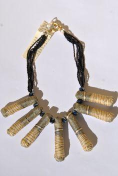 collana tronchetti corda rivestita stoffa beige di comivishop