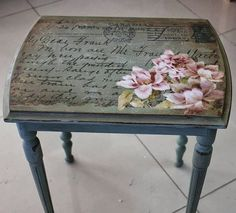 39 Furniture Decoupage ideas – Give old things a second li Decoupage Furniture, Chalk Paint Furniture, Hand Painted Furniture, Refurbished Furniture, Repurposed Furniture, Shabby Chic Furniture, Furniture Projects, Furniture Makeover, Diy Furniture