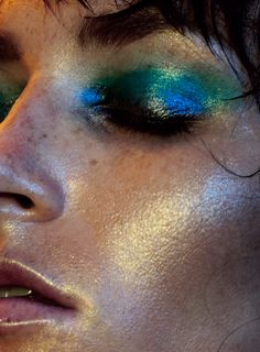 Beautiful duochrome make up. Lena Bergeron by Patrick Lacsina in Too Bright to Sleep for Factice Magazine Exclusive September 2016 Love Makeup, Makeup Inspo, Makeup Art, Makeup Looks, Hair Makeup, Eyeliner, Eyeshadow, Eyebrows, Art Visage