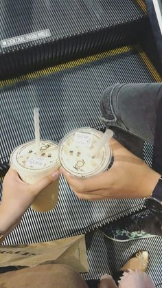 ideas for cars aesthetic photography Couple Pictures, Food Pictures, Couple Ideas, Food N, Food And Drink, Snap Food, Cute White Boys, Hand Photo, Food Snapchat