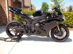 i want. i reallllllly want. Yamaha 2008 R1