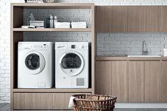 Elemento abierto para contener lavadora y secadora con 1 estante. Grosor del marco: 5 cm. 2 cajones con ruedas 69 x 50, H 30 cm.