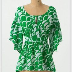 Anthropologie green & white top by Maeve Really flattering cut & vibrant colors. Love this top! Anthropologie Tops