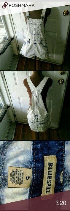 Overall mini skirt white denim adjustable straps 90s grunge Bib overall skirt Adjustable straps Pockets blue spice Jeans Overalls