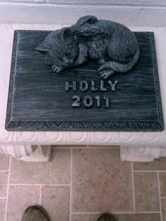 Pet Laying Angel Cat  Memorial Marker Headstone Plaque Concrete Free Lettering