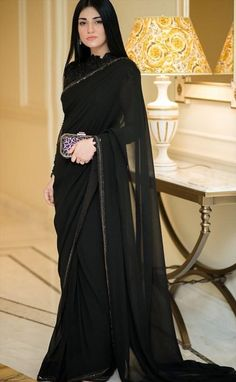 May 2020 - Sarah Khan is an amazing actress. Sara Khan looks Amazing in Saree. Pakistani Fashion Party Wear, Pakistani Wedding Outfits, Pakistani Dresses Casual, Indian Gowns Dresses, Indian Fashion Dresses, Dress Indian Style, Pakistani Dress Design, Indian Designer Outfits, Black Pakistani Dress