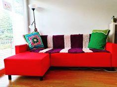 """Gefällt 20 Mal, 0 Kommentare - Nikoletta Kranz (@kranzniki) auf Instagram: """"#style für mein fades, abgenutztes IKEA Sofa  Pimping up my boring #ikea #sofa  #traumhäklerin…"""" Ikea Sofas, Up, Couch, Furniture, Instagram, Home Decor, Crown Cake, Settee, Decoration Home"""