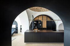 pitsou architetti Kedem concepisce vecchia casa Jaffa come una 'grotta moderno'