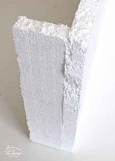 How to Make a Window Valance with Foam Insulation Valance, cornice box, pelmet box.learn how to make one using inexpensive foam insulation from the hardware store! Window Valance Box, Curtain Pelmet, Cornice Box, Valance Window Treatments, Window Treatments Living Room, Window Coverings, Drapes Curtains, Cornice Boards, Unique Window Treatments