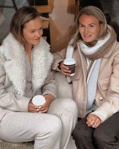 Fur-Wool Mix Cropped Coat deguy.no Fur, Wool, Jackets, Beauty, Down Jackets, Beauty Illustration, Feather, Fur Coat, Jacket