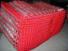 Instructions to make a purse out of pop tabs: Square Bottom Red Purse.