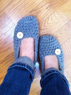 Extra thick Simply slippers Adult Crochet by LittleAsiaGirl $29.50 100% acrylic yarn