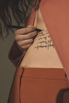 look here — carelesson: hans neumann Foto Fashion, Fashion Mode, Editorial Photography, Art Photography, Fashion Photography, Design Set, Woman Tatto, Neumann, Jolie Photo