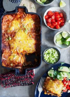 Congratulations enchiladas with chicken- Gratinerte enchiladas med kylling Congratulations enchiladas with chicken - Real Mexican Food, Mexican Food Recipes, Ethnic Recipes, Kos, Traditional Mexican Food, Chicken Enchiladas, Tex Mex, Pesto, Nom Nom