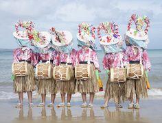 銀座メゾンエルメスで日本列島の仮面神や鬼を収めたシャルル・フレジェの最新作「YOKAINOSHIMA」公開 - ファッションニュース - 朝日新聞デジタル&w
