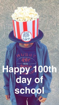 day of school! All first graders had to put 100 of something onto a hat for a school parade:) day of school! All first graders had to put 100 of something onto a hat for a school parade:) 100 Day Of School Project, 100 Days Of School, School Fun, School Projects, Crazy Hat Day, Spirit Day Ideas, Lollipop Birthday, Party Fotos, Dinosaur Hat