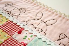 What an adorable quilt edging