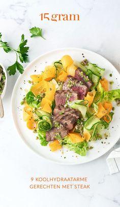 Biefstuk wordt vaak geassocieerd met rijke bereidingen zoals steak met frietjes en een lekker botersausje voor erbij. Caloriebommetje, da's waar. Maar met enkele eenvoudige aanpassingen, kan je er toch nog een gezonde klassieker van maken. Want biefstuk zelf, is namelijk zelf mager vlees. #steak #lowcarb #gezondekeuken #lichtemaaltijd Salsa Verde, Fajitas, Food, Essen, Meals, Yemek, Eten