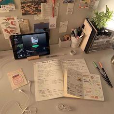 School Organization Notes, Study Organization, School Notes, Study Room Decor, School Study Tips, Study Space, Study Areas, Study Hard, Studyblr