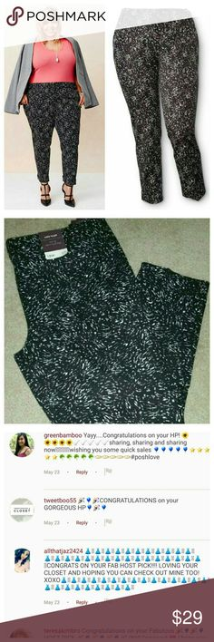 """3X Host Pick! NWT Printed Jeans Brand new jeans! Front has button and snap for vlosure. 2 fake pockets in front. 2 fake pockets in back. Ankle length. Mid rise fit. Inseam 27"""" Ava & Viv Jeans Ankle & Cropped"""
