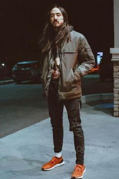 Steve Aoki wearing Ih Nom Uh Nit Graphic Hoodie, Dim Mak Bomber Two , Adidas Ultra Boost Running Sneaker Dj Steve Aoki, Music Instructor, Skater Style, Dj Music, Emo Scene, Guardians Of The Galaxy, Playlists, Running Sneakers, Electronic Music