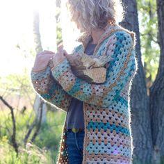 The Campfire Cardigan Crochet pattern by Jess Coppom Make & .- The Campfire Cardigan Crochet pattern by Jess Coppom Make & Do Crew Crochet Fall, Easy Crochet, Free Crochet, Beginner Crochet, Make Do, Make And Do Crew, Campfire Cardigan Crochet Pattern, Crochet Jacket, Crochet Vests