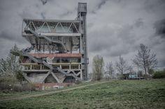 Das holländische Pavillon der Expo 2000 ist verlassen und verkommt. Einst wurde es für die Weltausstellung genutzt, heute ist es ein bekannter Lost Place.