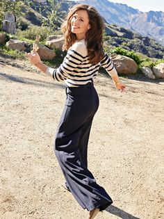 People Magazine, Jennifer Garner, Hollywood Celebrities, Bell Bottoms, Bell Bottom Jeans, Capri Pants, Actresses, Cover, Fashion