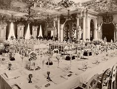 Esta fotografía, tomada 23. Enero 1899 en el Schloss Friedenstein, Gotha, es de un álbum privado de la Princesa Victoria Melita de Edimburgo, que encontré en un mercadillo. Muestra el vigésimo quinto aniversario de la boda del príncipe Alfred, el segundo hijo de la reina Victoria, y Maria Alexandrovna de Rusia, hija del zar Alejandro II.