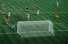 Liverpool 3 Everton 1 in May 1986 at Wembley. Ian Rush scores against Everton in the FA Cup Final. English Language Course, English Course, Ian Rush, Merseyside Derby, Fa Cup Final, Improve Your English, Make New Friends, Everton, Football Soccer