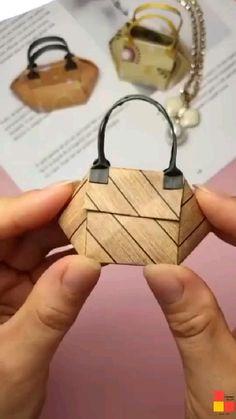 Diy Crafts Hacks, Diy Crafts For Gifts, Diy Home Crafts, Diy Arts And Crafts, Cool Paper Crafts, Paper Crafts Origami, Diy Paper, Fun Crafts, Paper Folding Crafts