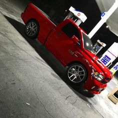 TruckinSociety™ Owner:@jmarquez_57 #TruckinSociety #Dodge #Ram #RT #SrtReps #24s #Clean