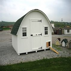 Round Roof Coop @ efowl.com........my dream hen house.  Someday girls.......