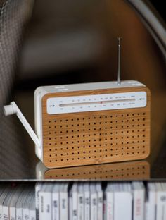 Portable bamboo radio + mp3 speaker //  Two minutes of turning the crank equals 30 minutes of listening time, perfect for camping trips and beach days ~~more like perfect for the Zombie Apocalypse!