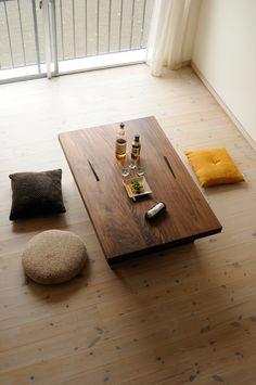 Minimalist Bedroom Ideas and Inspiration Japanese Dining Table, Low Dining Table, Low Tables, Low Coffee Table, Minimalist Interior, Minimalist Bedroom, Minimalist Home, Cafe Interior, Interior Design
